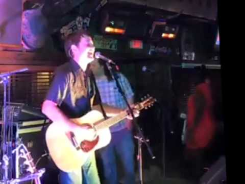 Aaron Traffas live at Willie's Saloon in Stillwater, Oklahoma | April 2017