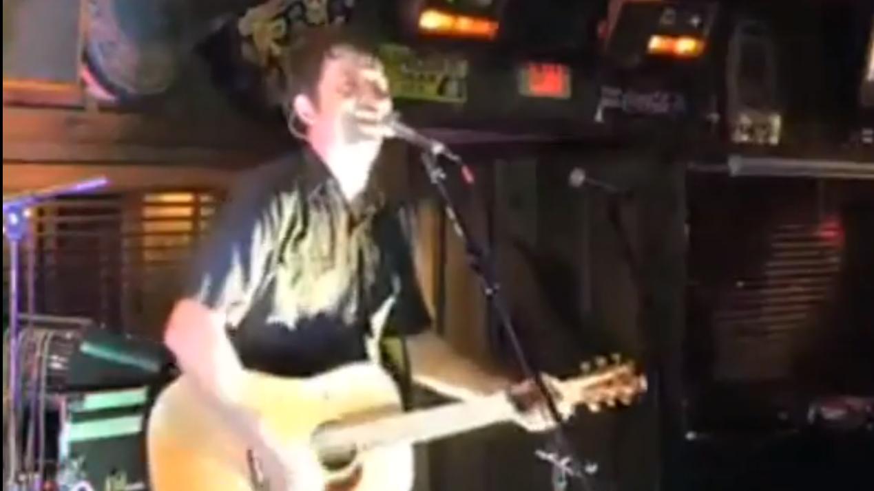 Aaron Traffas playing Willie's Saloon in Stillwater